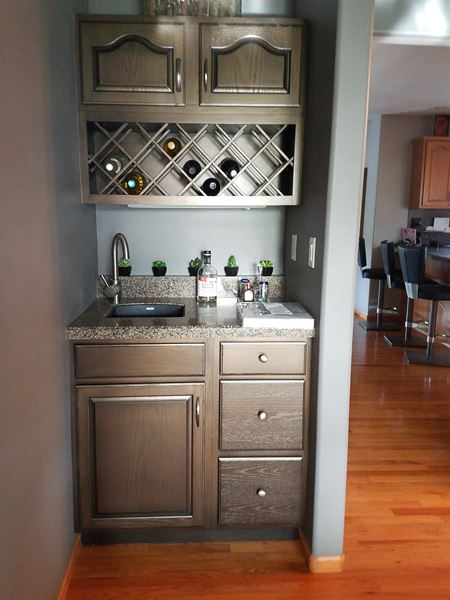 Wet Bar Painting on sterling Heights Dr. in Marion, IA